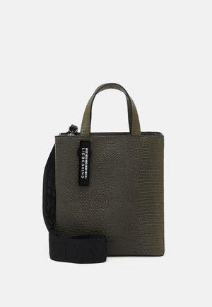 PAPER BAG S - Handtasche - tea leaf
