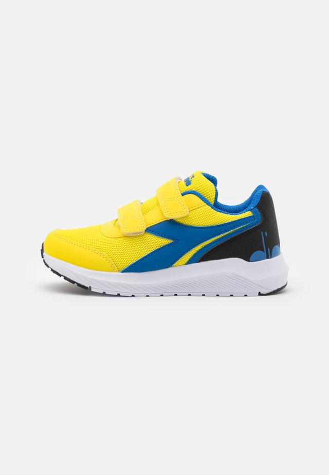 JR UNISEX - Zapatillas de running neutras - yellow/royal