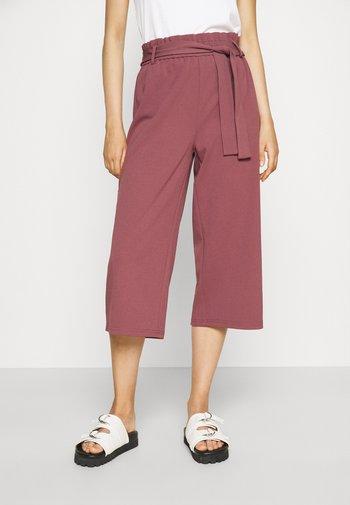 ONLHARRIS CAROLINA CULOTTE BELT - Trousers - pink