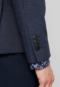 Selected Homme - SLHSLIM IKEN BLAZER - Blazer jacket - dark navy - 4