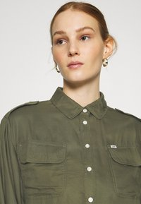 Lee - UTILITY  - Button-down blouse - olive green - 4