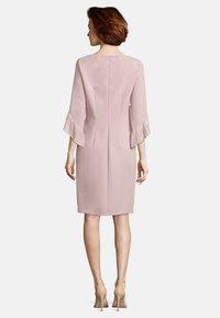 Vera Mont - MIT PLISSEE - Cocktail dress / Party dress - cloud rose - 1