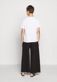 DRYKORN - LARIMA - T-shirt basic - weiß - 2
