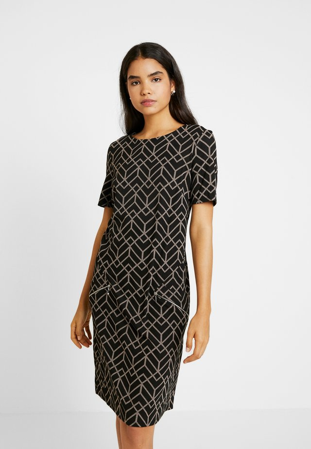 TALL ZIP GEO JACQUARD DRESS - Etuikjole - stone