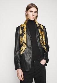 Versace - MEDUSA FOULARD - Foulard - black/gold - 0