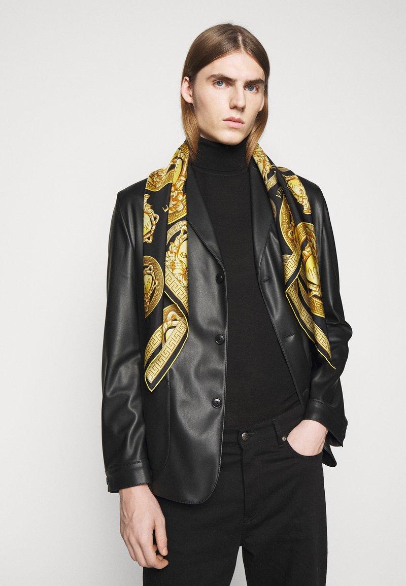 Versace - MEDUSA FOULARD - Foulard - black/gold