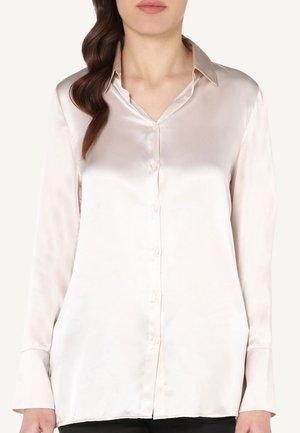 MIT UMSCHLAGMANSCHETTE - Pyjama top - off-white