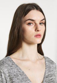 Missguided - BRUSHED WRAP - Jumper - grey - 3