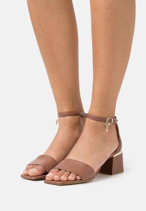HANNA  - Sandals - walnut brown