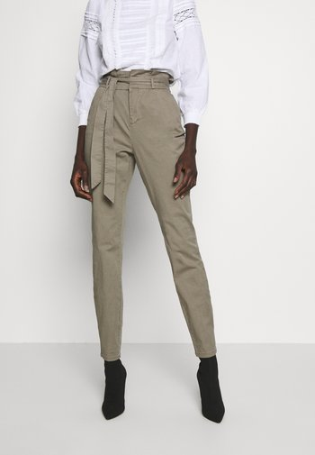 VMEVA LOOSE PAPERBAG PANT - Kalhoty - bungee
