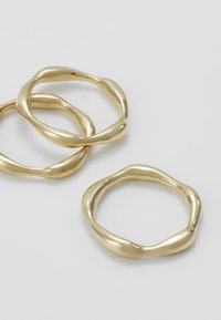 Soko - MOTO STACKING RINGS 3 PACK - Ring - gold-coloured - 4