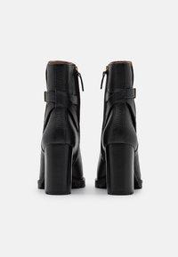 Tory Burch - Kotníková obuv na vysokém podpatku - perfect black - 3
