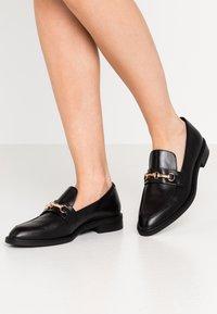 Vagabond - FRANCES - Slippers - black - 0
