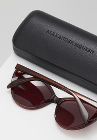 Alexander McQueen - Sunglasses - red - 2