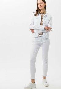 BRAX - STYLE CLEO - Polo shirt - sand - 1