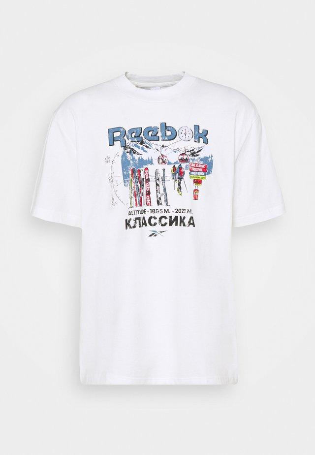 TEE NORTH - T-shirt z nadrukiem - chalk