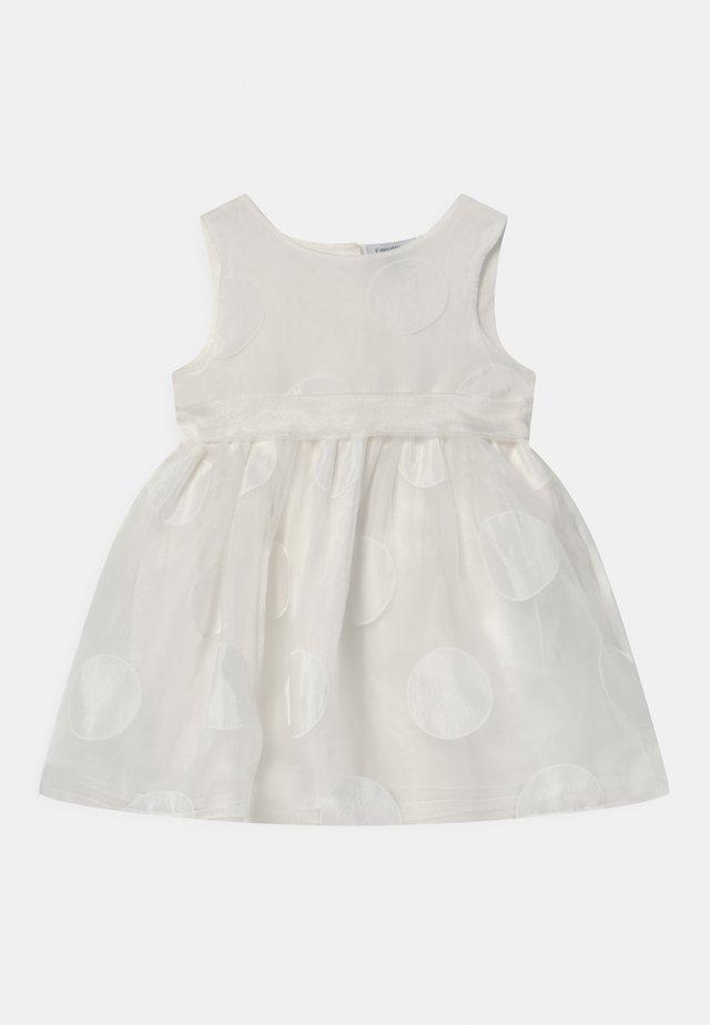 Cocktailklänning - bright white