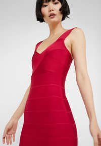 Hervé Léger - ICON-GOWN WITH SIDE SLIT - Abito da sera - rogue - 5
