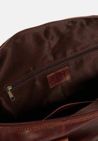 SID & VAIN - REISETASCHE - YALE ZIP - Weekend bag - braun-cognac - 4