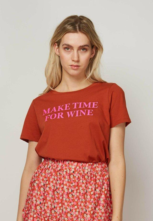 MAKE TIME FOR WINE - T-shirt print - brown