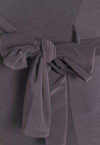 Missguided Maternity - SLINKY RUCHED DRESS - Pouzdrové šaty - grey - 5