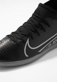 Nike Performance - MERCURIAL 7 CLUB IC - Indoor football boots - black/metallic cool grey/cool grey - 2