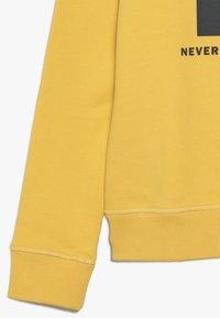 The North Face - BOX CREW UNISEX - Felpa - yellow - 3