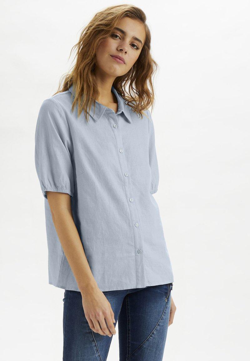Cream - CRVENTA - Button-down blouse - cashmere blue