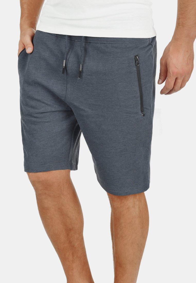 Solid - SWEATSHORTS TARAS - Shorts - blue melange