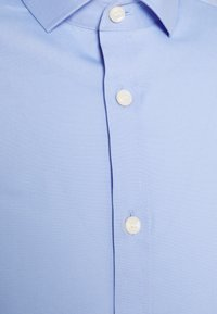 Tiger of Sweden - FILLIAM - Chemise classique - light blue - 2
