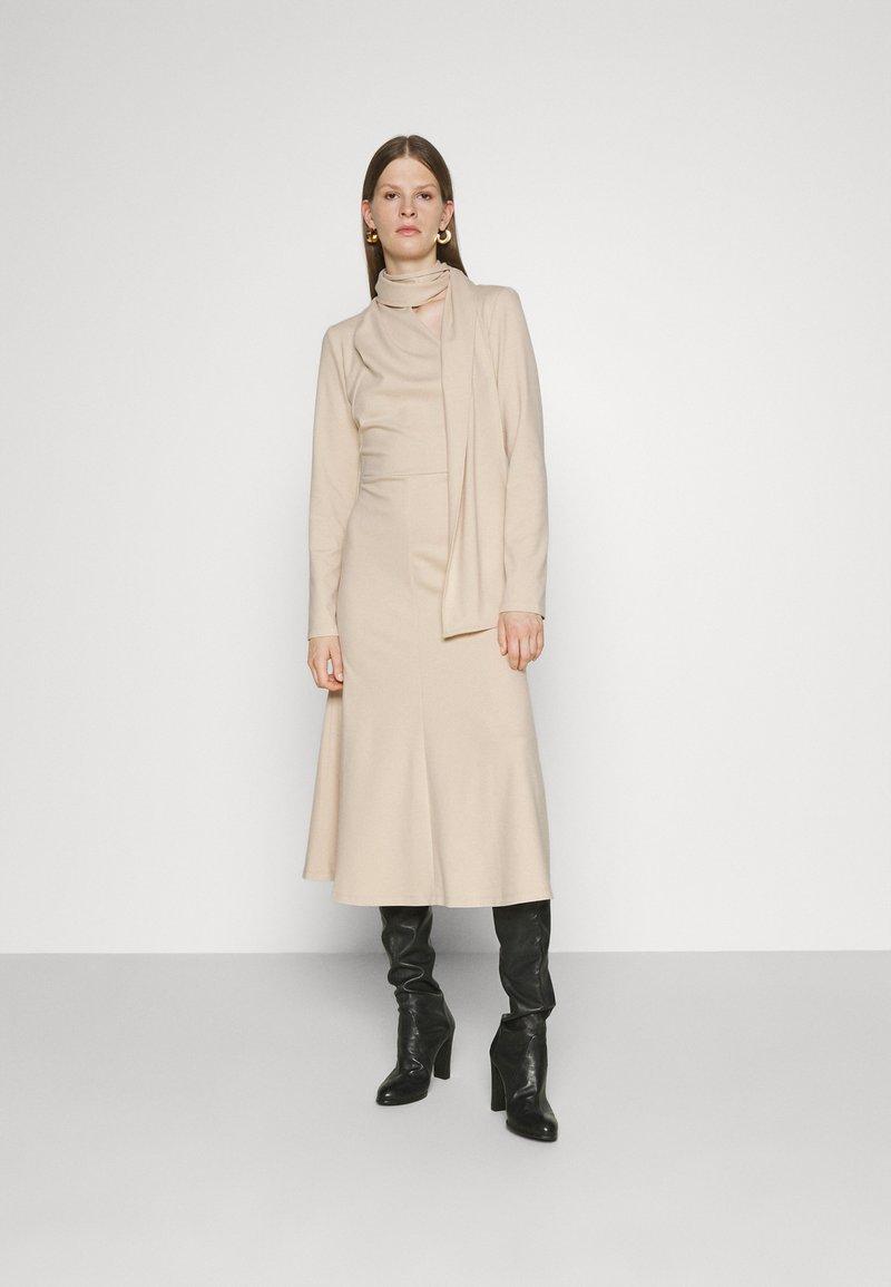 Mykke Hofmann - KUSI - Day dress - dust white