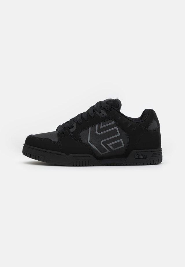 FAZE - Sneakers laag - black dirty wash