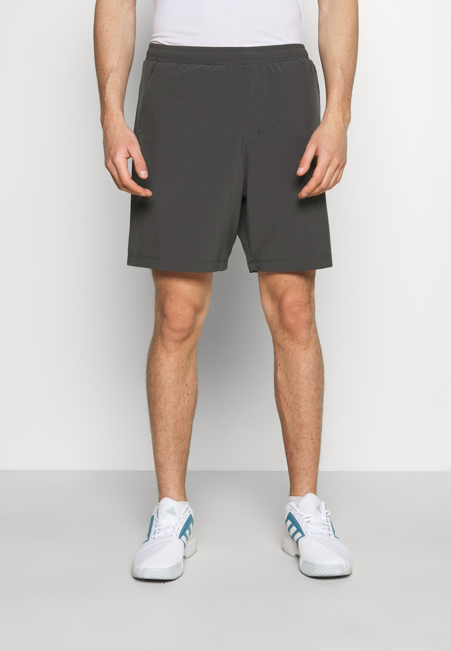 Herren LOGO TRAINING SHORT - kurze Sporthose