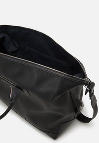 Tommy Hilfiger - DOWNTOWN DUFFLE UNISEX - Weekend bag - black - 2