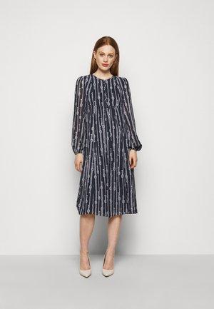 SAPCED SAILOR STRIPE - Denní šaty - midnight blue/white