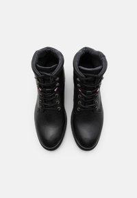 Tommy Hilfiger - CLASSIC TUMBLE BOOT - Lace-up ankle boots - black - 3