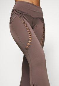 L'urv - AERIAL - Legging - mushroom - 5