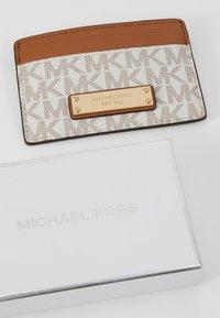 MICHAEL Michael Kors - Wallet - vanilla - 2