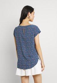 ONLY - ONLNOVA LUX - Camiseta estampada - bering sea - 2