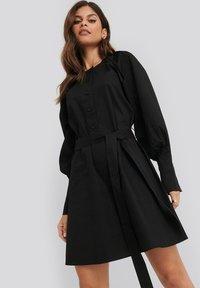 NA-KD - BALLOON SLEEVE - Day dress - black - 0