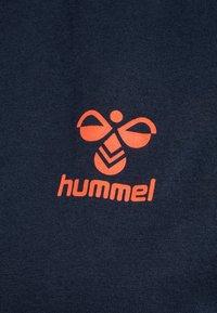 Hummel - Basic T-shirt - dark sapphire/fiesta - 4