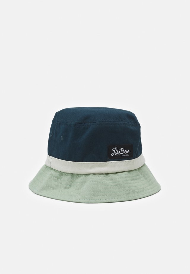 BLOCK BUCKET HAT UNISEX - Klobouk - stone green/sand/navy