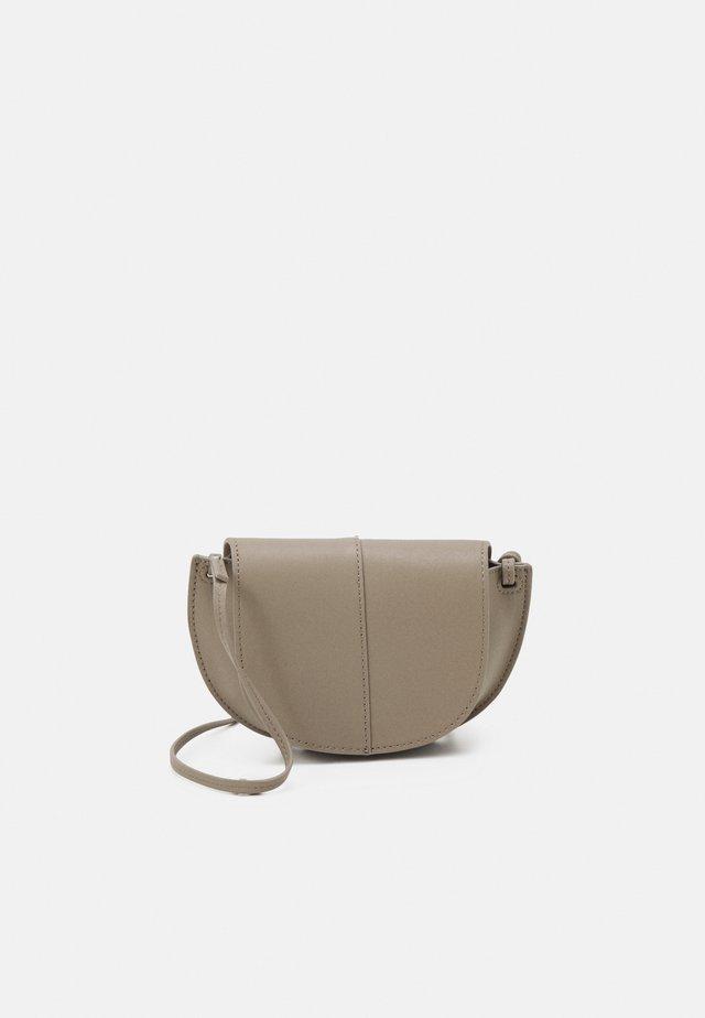 TALVI - Across body bag - classy taupe