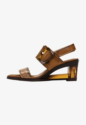 Sandály - cuero