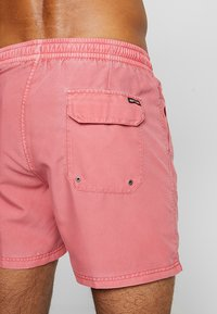 Rip Curl - VOLLEY SUNSET SHADES - Surfshorts - light red - 1