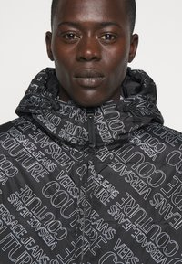 Versace Jeans Couture - QUILTED JACKET - Down jacket - nero - 6