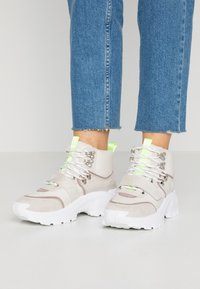 RAID - BRAVO - High-top trainers - blush - 0