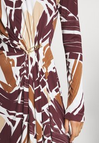 Bally - PRINTED DRESS - Sukienka z dżerseju - white/brown - 5
