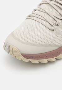 Merrell - BRAVADA - Hiking shoes - birch - 5