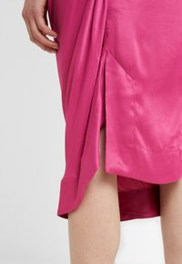 Vivienne Westwood Anglomania - VIRGINIA DRESS - Cocktail dress / Party dress - fuschia - 5